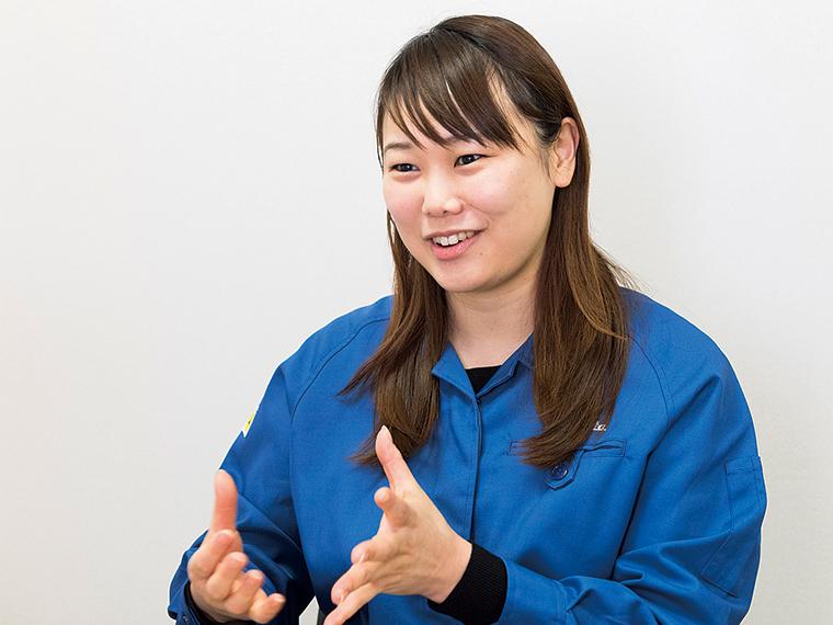 商品開発を担当している福田真純さん。「仕事面でも仕事以外でも勉強になることがたくさんあります」