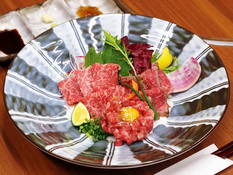 「米沢牛刺身の三種盛り合せ」(2,800円・税別)※ディナー限定