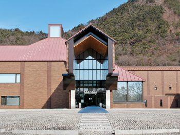 竹下夢二など、福島市の実業家・河野氏が収集した近代美術のコレクションを展示