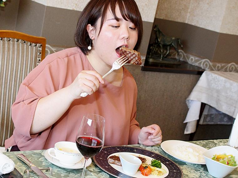 (やめるんだ!高級肉だぞ!!)「アー」