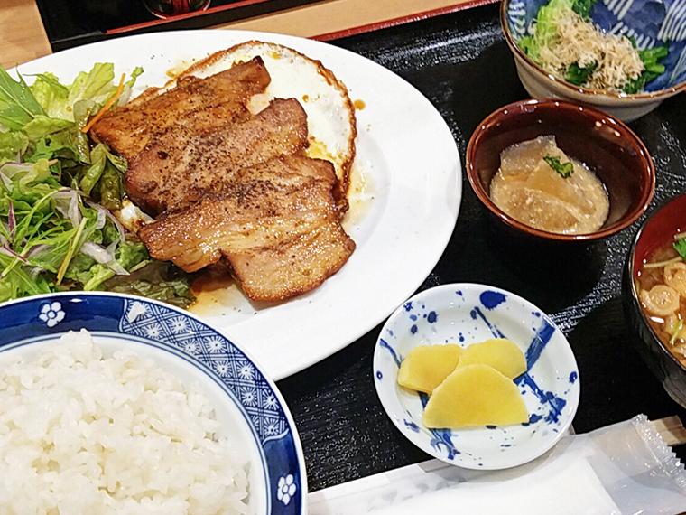 チャーシューエッグ定食(1,000円)