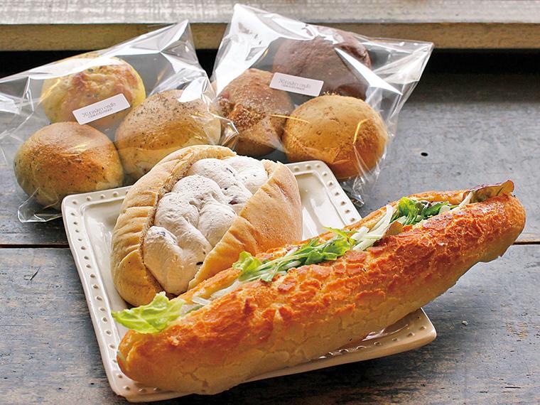 買ったパンを店内で食べることもできる