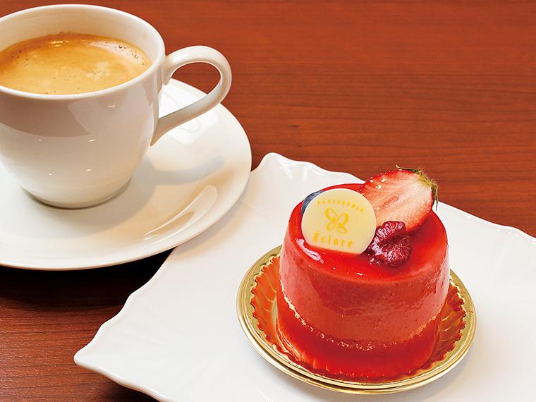 17【PÂTISSERIE Éclore(エクロール)】おすすめケーキとコーヒーのセット(通常702円)