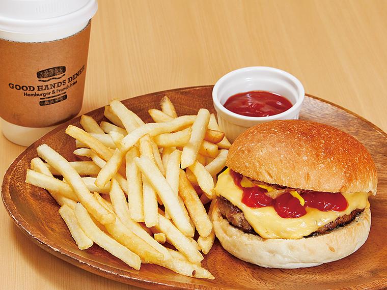 12【GOOD HANDS DINER(グッドハンズダイナー)】チーズバーガーセット&コーヒー(通常720円)