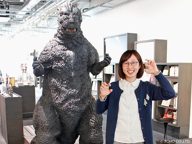 館内の「円谷英二ミュージアム」では、ゴジラがお出迎え!