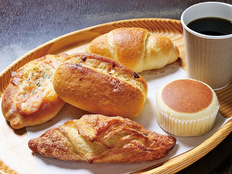 35【道の駅安達下り線 二本松ベーカリー】7種類から選べるパンとドリンクのセット(通常700円)