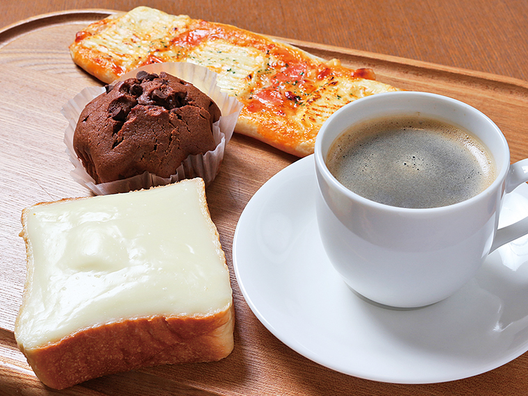28【sweet bakery Rusk(ラスク)】ぜひ食べてほしいオススメ3品とコーヒーのセット(通常770円)