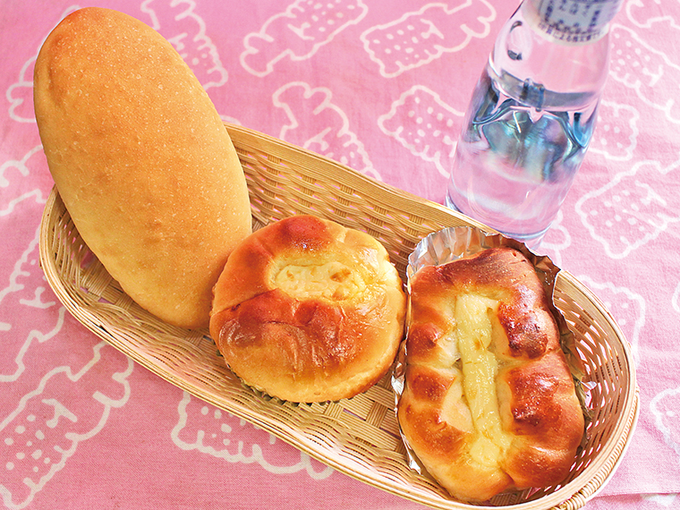 1【わたなべパン店】人気パン3種セット(通常740円)