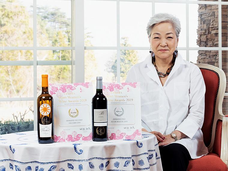 日本最大級のワイン審査会「サクラアワード2019」で「ヴェッキオ」(左)がゴールド、「ポーリー」(右)がシルバーを受賞
