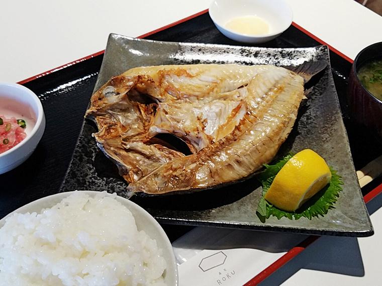 焼魚定食(864円)