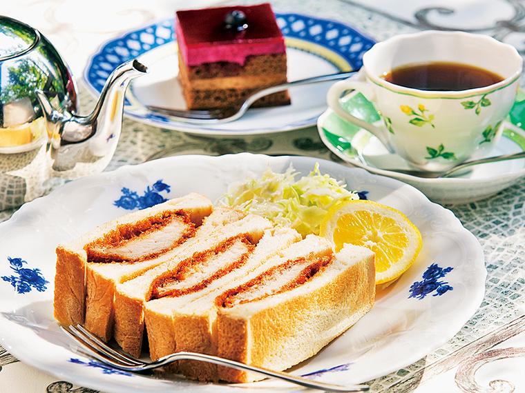 カツサンドセット600円+ケーキ付き330円〈カツサンド・コーヒー・ケーキ〉【提供時間】11:00〜15:00