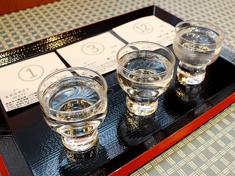 「編集長がこのお酒おいしいって言ってたなぁ」と悩みながら、今回はこちらの3銘柄をチョイス。それぞれの説明が札に書いてあるので初心者の方でも選びやすい