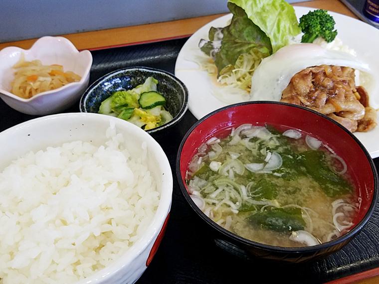 「バラ肉の焼肉定食」(750円)