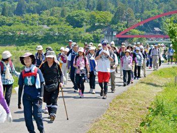 歩きながら「赤べこ」の故郷・柳津町の歴史、観光、グルメを知ろう!