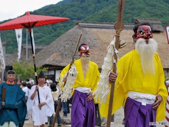 夏の大内宿で古式ゆかしい伝統行事に出合う