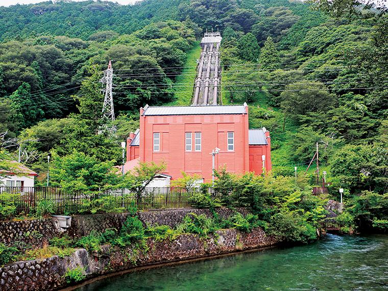 近代化産業遺産に認定された赤レンガの「丸守発電所」(写真提供/郡山市)