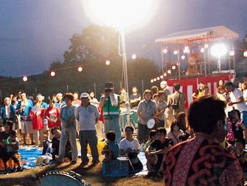 子ども盆踊りなど、家族連れに人気!福島市成川区の夏まつり