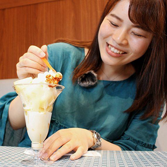 ソフトクリームのミルク感と桃の甘みがいい感じ♪