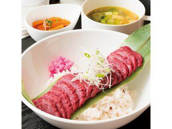 真紅の桜肉が、新鮮で上質な証し。赤身のうまみをヘルシーに楽しむ