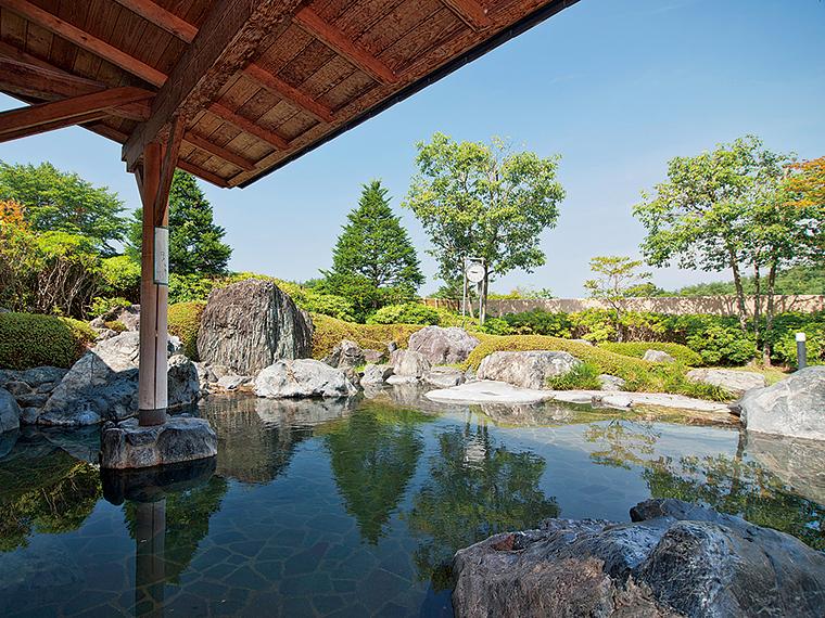 奥久慈の豊かな自然に囲まれた露天風呂
