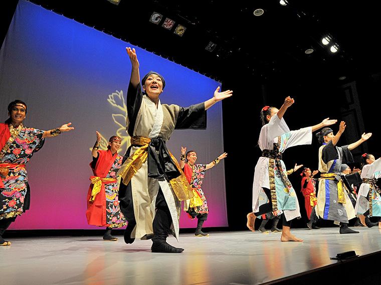創作舞踊集団「結華(ゆいばな)」も登場