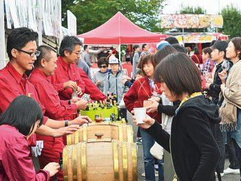 実りの秋に感謝して、山形県で様々な種類のワインに舌鼓