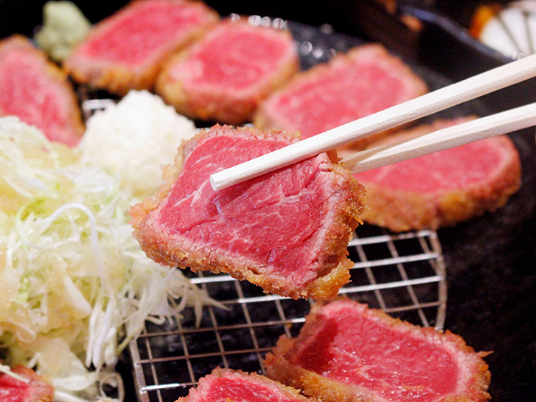 安心して食べられる一枚肉の牛肩ロース