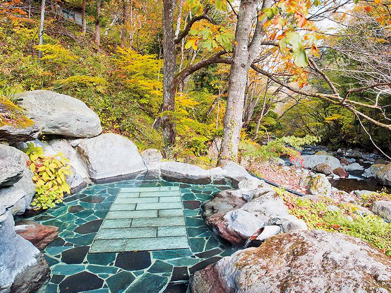 二岐渓谷の豊かな自然と一体になれる女性用露天風呂