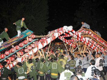 日本3大けんか祭りの一つとされる『飯坂けんか祭り』。3日間にわたって開催