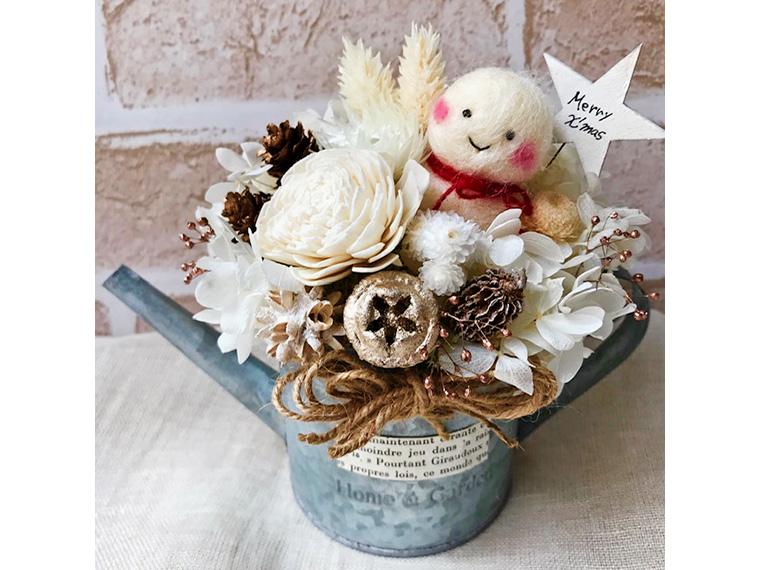クリスマスの時期にぴったりな花雑貨を見つけに行こう