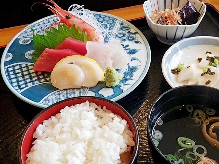刺身定食(770円)
