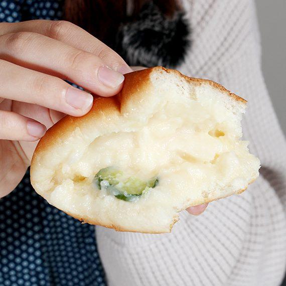 少しトロトロとしたポテトサラダ。口の中でパンとよく絡みます