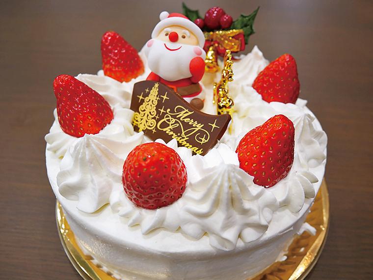 フレッシュなイチゴをぜいたくに使った、王道の生クリームケーキ