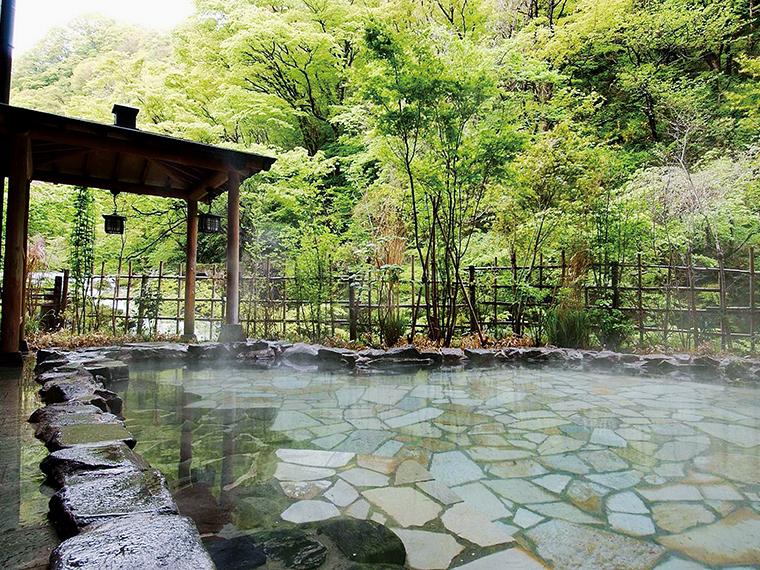 絶景を楽しめる男性専用露天風呂