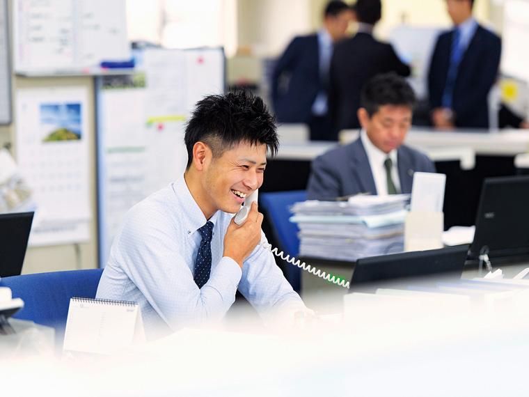 営業の永嶺 黎さん。若いスタッフが生き生きと働ける環境も魅力