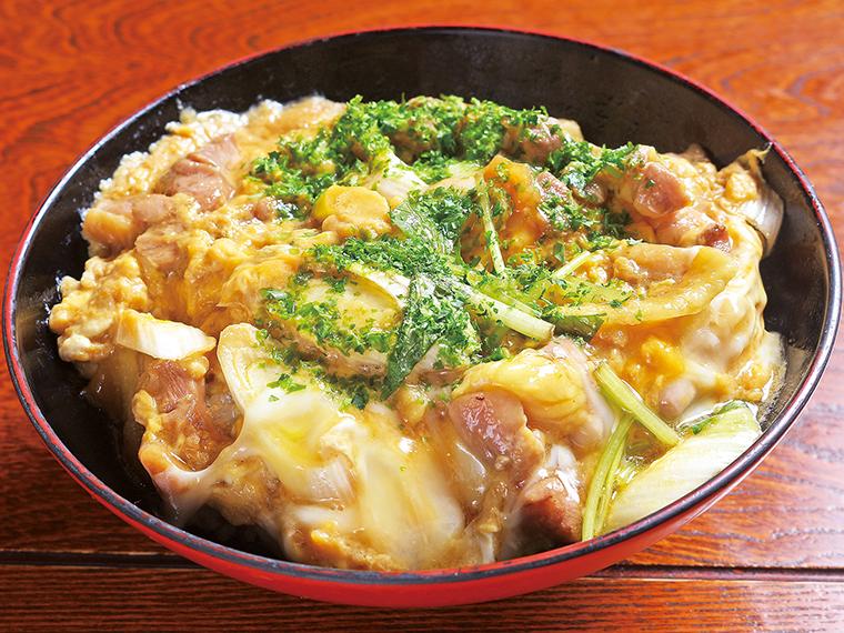 「シャモ親子丼」(750円)※夜は850円。汁物、お新香、コーヒーが付く