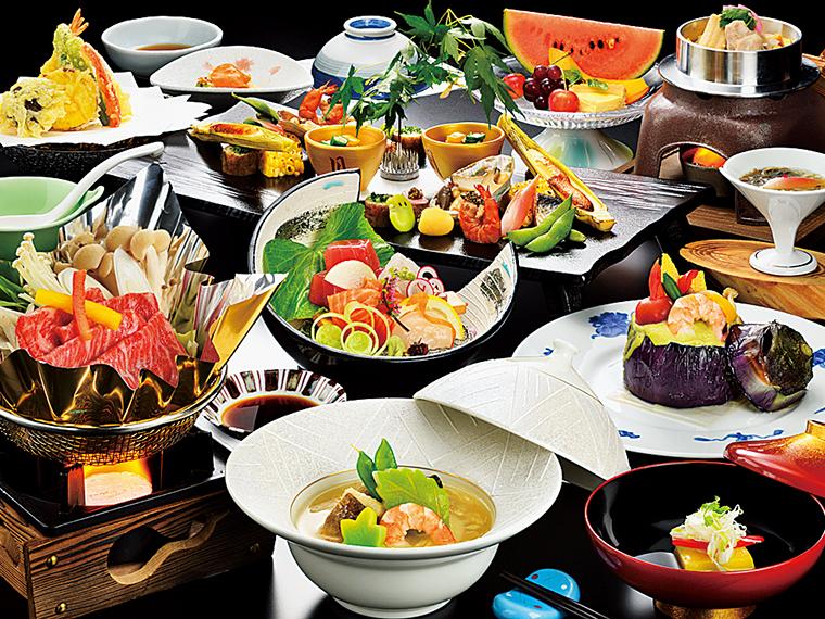 季節感も大切に、一品一品丁寧に仕上げられた料理の一例(写真提供/栄楽館)