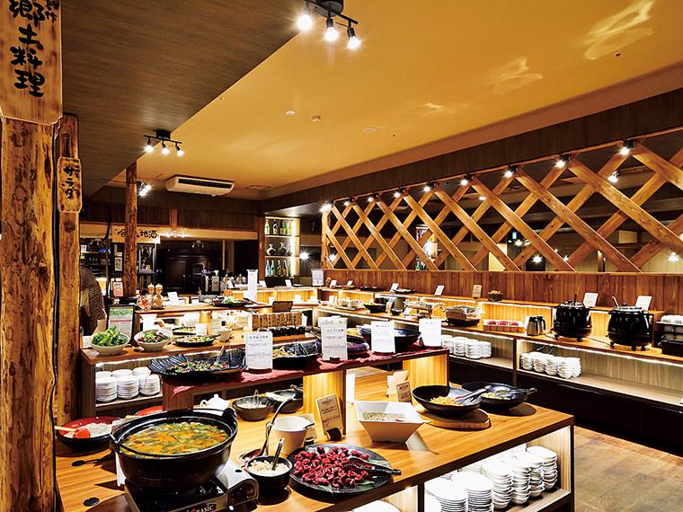 ビュッフェはダイニング会場「本丸」にて。追加料金で和食膳にも変更可能