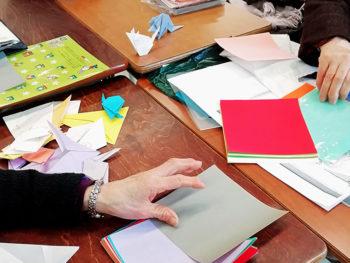 折り紙で色とりどりのつるし飾りを作ろう!