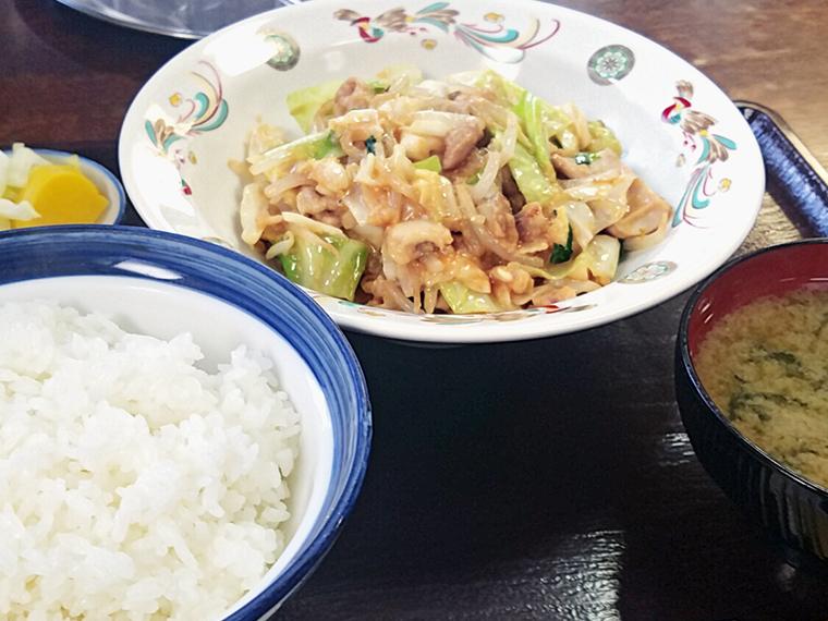 「ホルモン炒め定食」(660円)