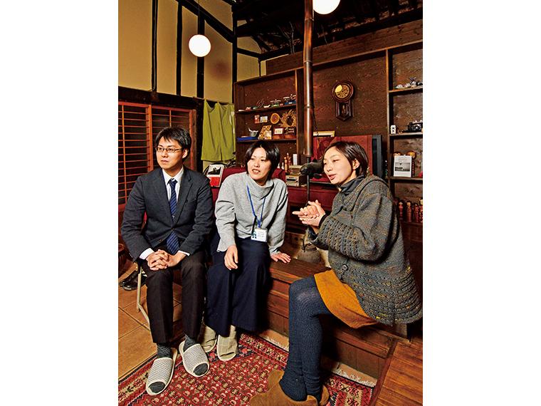 会津美里町の移住定住支援を担当するのは政策財政課人口減少対策室。「いつも親身に相談にのってくれて心強い存在です」と聡子さん