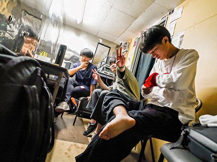 高校生バンド「Chameleon」がラストライブ開催!地元バンドが華を添える