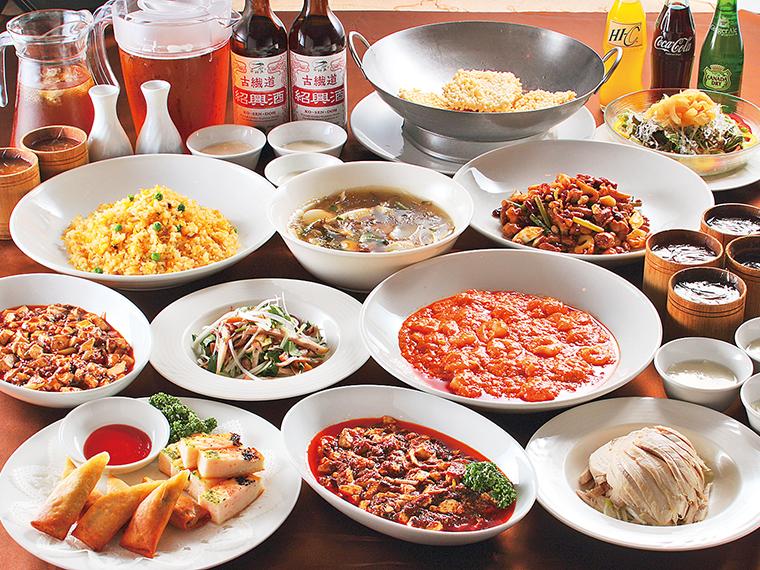 「飲み放題コース」の料理イメージ(一例)。四川料理尽くしで、食欲を満たそう
