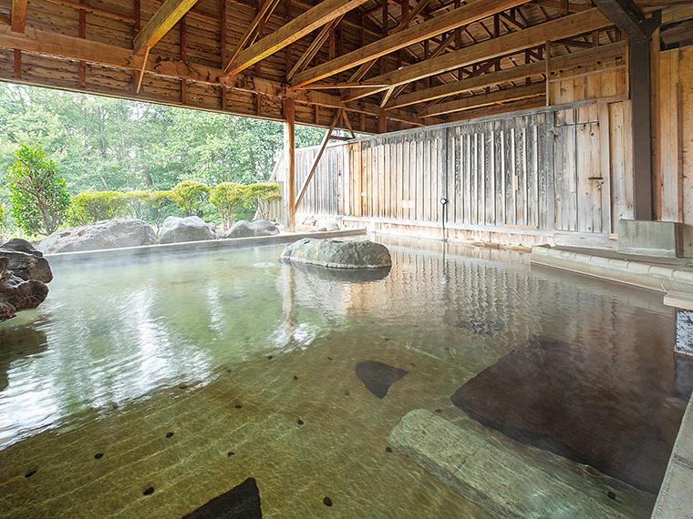 景色を一望できる「パノラマ大露天風呂」