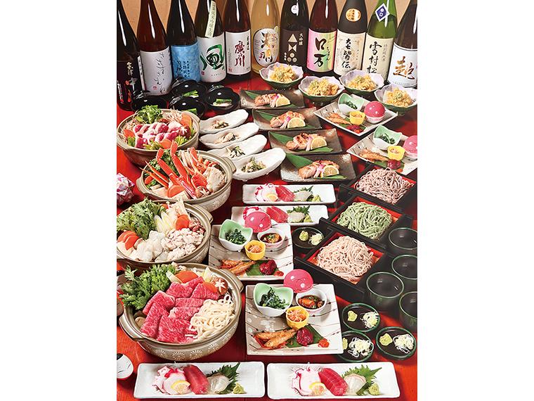 『佐吉』の宴会はそば食べ放題で2次会いらず。料理3,500円コースの一例。サクサクの天ぷらや福島の地物料理を堪能しよう。飲み比べセットで地酒をたしなむのもおすすめ