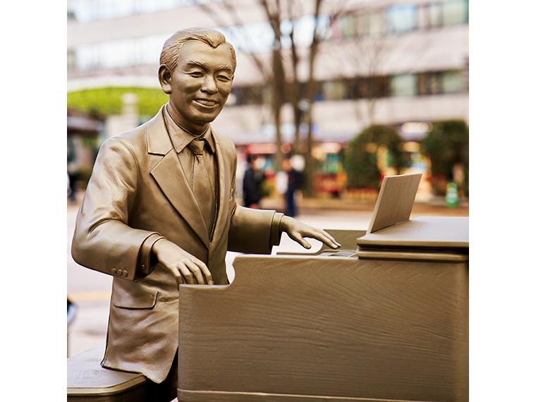 古関裕而生誕100年記念モニュメント(福島市)