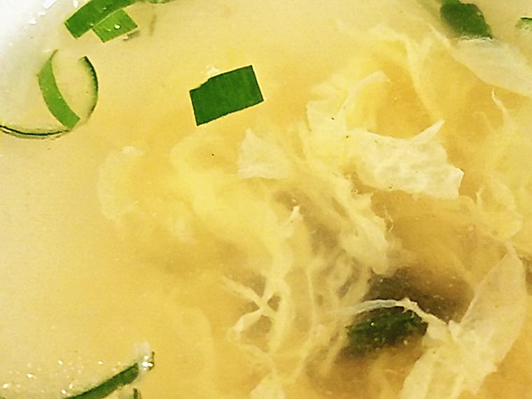 玉子スープも、ふんわりやさしい味わいでホッとします