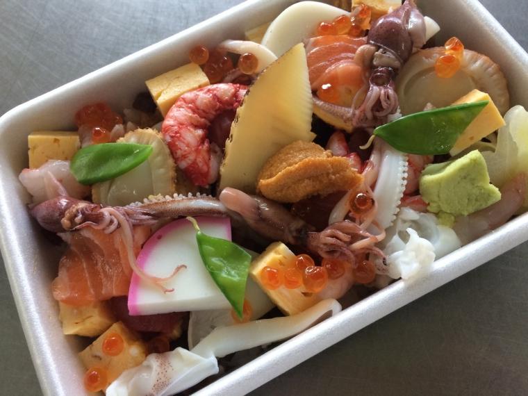 【喜久寿し】寿司、バラちらしなど