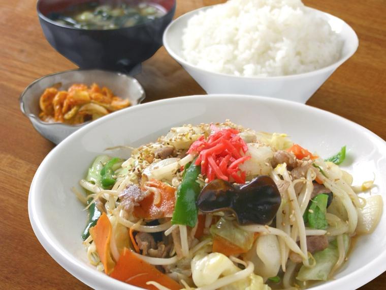 【ラーメン ねぎっこ 北福島店】野菜炒め、餃子など