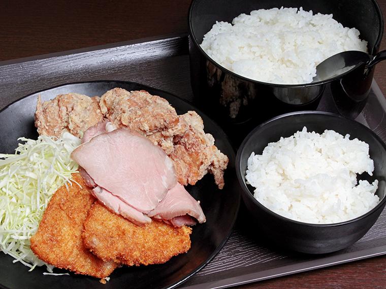 「誠門定食」(780円)。まさかのおひつごはん!